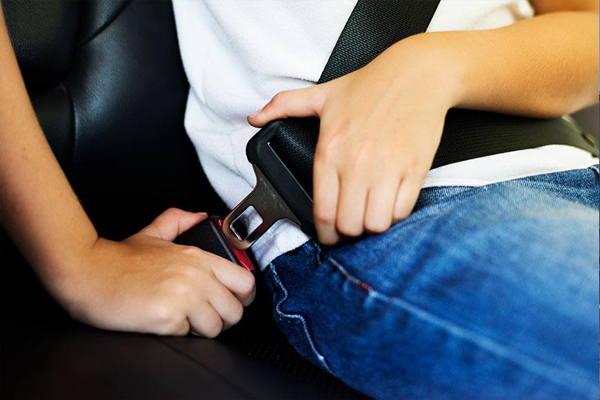 ¿Cómo garantizar la seguridad de los niños en el auto?